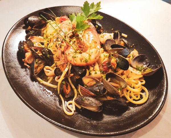 Restaurant Hendaye - La Nonna - Pâtes fraiches liguine fruits de mer