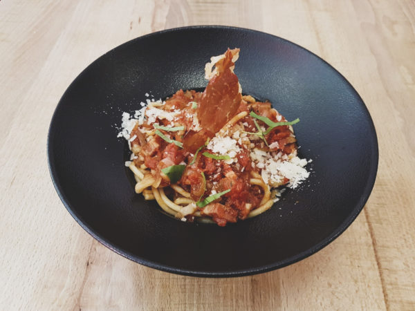 Bucatini all Matriciana - La Nonna pizzera restaurant italien Hendaye