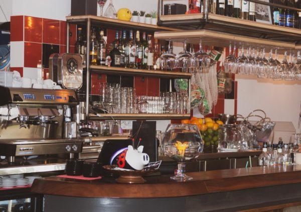 Hendaye - Trattoria della Nonna bar inétrieur