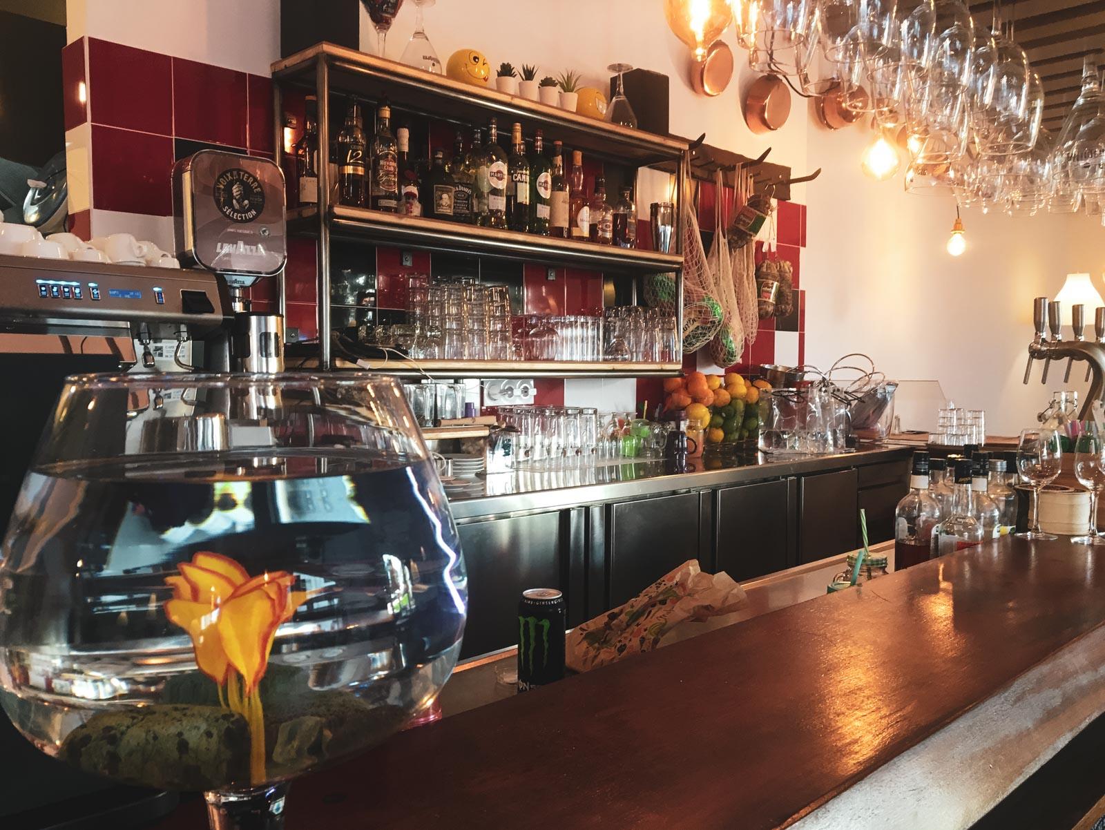 Hendaye - Trattoria della Nonna bar intérieur